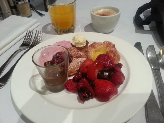 The Playford - MGallery by Sofitel: Excellent breakfast and  it appear the chef has a love for chia!!!