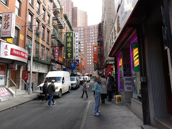 Free Tours by Foot : China town