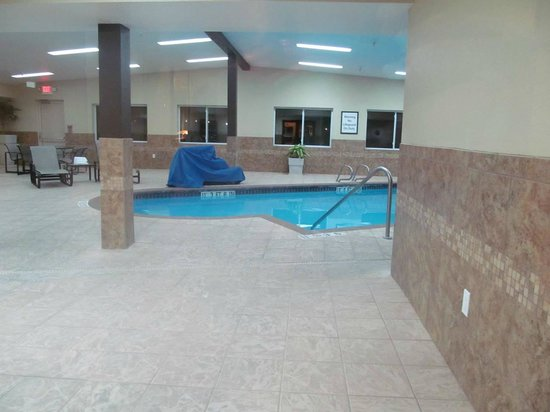 Holiday Inn Express Scottsbluff - Gering: pool area