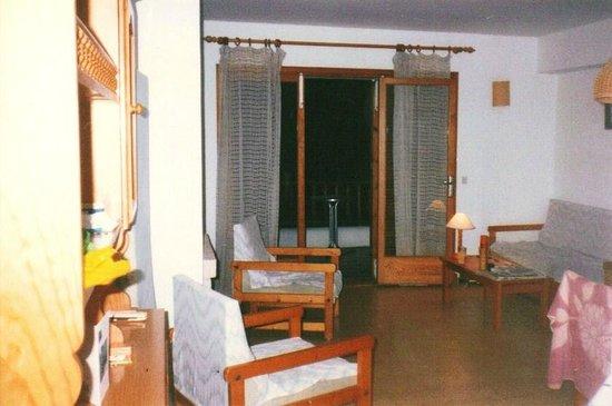 Sol Naixent: Apartment living area