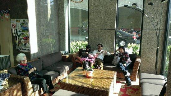 Spring Viva Hotel Pingtung: 春聚會館lobby