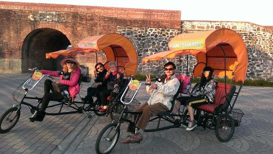 Spring Viva Hotel Pingtung: 搭三輪車遊恆春古城