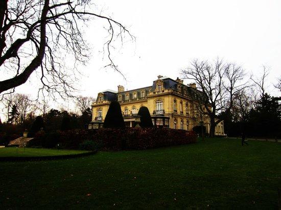 Château Les Crayeres : Garden front