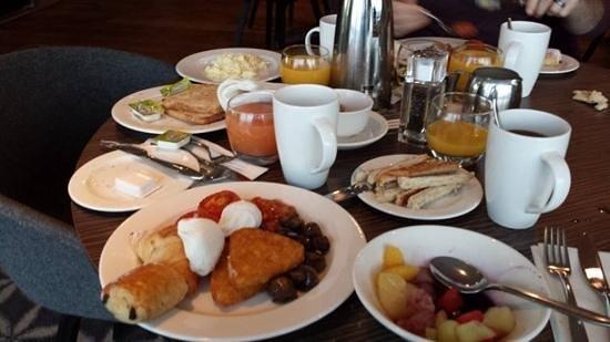 Holiday Inn Southend: yummy breakfast