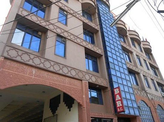 Hotel Maharani Plaza : 外観