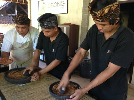 Lobong Culinary Experience: Gringing the spices