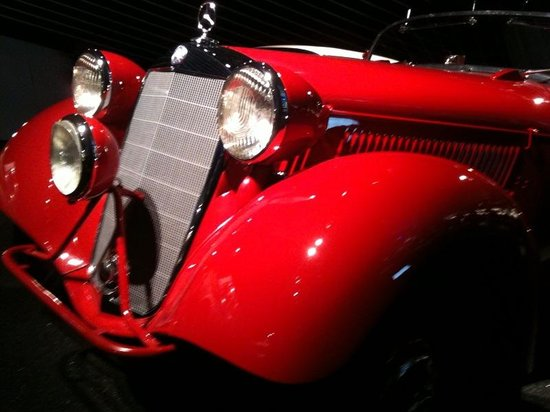 Museo Mercedes-Benz: Paradise is here