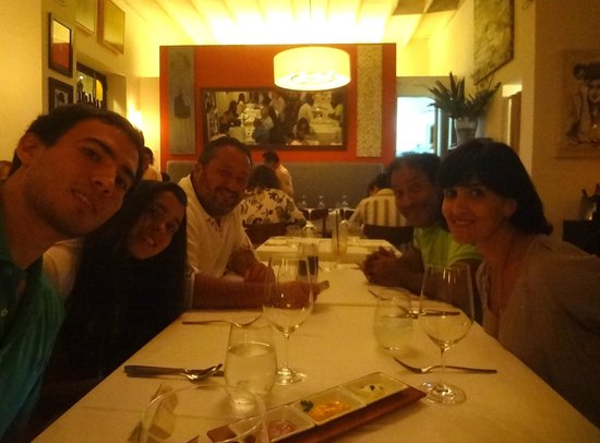 Rafael : A nice dinner with friends