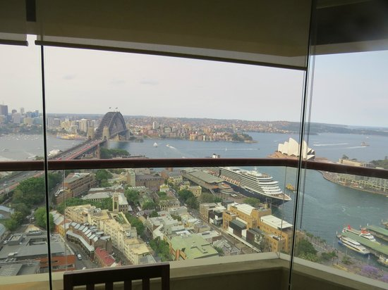 Quay West Suites Sydney: An all round fantastic view
