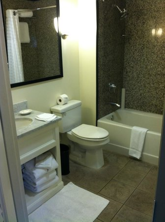 Kimpton Amara Resort & Spa: Bathroom