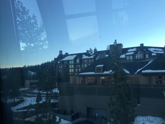 The Ritz-Carlton, Lake Tahoe: View from the hotel gondolier which runs down to Northstar Village all day. It finished around 9