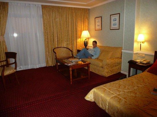 Intur Palacio San Martin : Very Comfortable Roomy Junior Suite