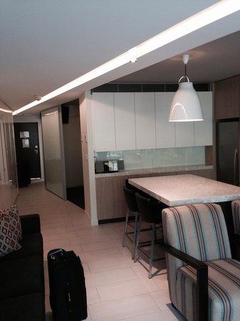 Seahaven Noosa: 2 bedroom 1 bathroom. Lovely modern refurb