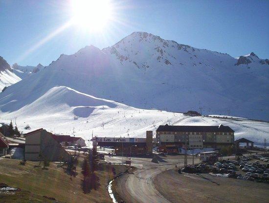 Virgo Hotel and Spa - Las Lenas: Vista das montanhas