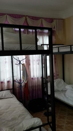 Sapa Backpackers: Six-Bed Dorm Room