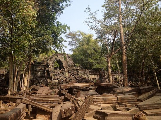 Khmer Ways - Moto Adventures Day Tours: Beautiful in all its dilapidated glory