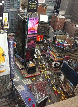 New York Marriott Marquis: Vista do quarto