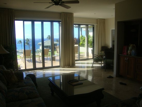 The Kapalua Villas, Maui : View from couch