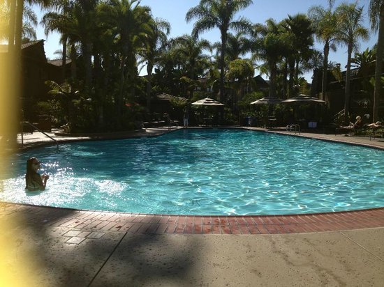 Humphreys Half Moon Inn & Suites: piscina