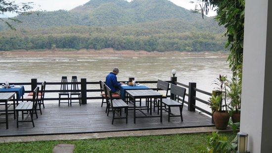 Villa Saynam: breakfast each day over the Mekong