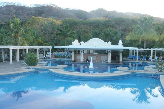 Hotel Riu Guanacaste : swim up bar