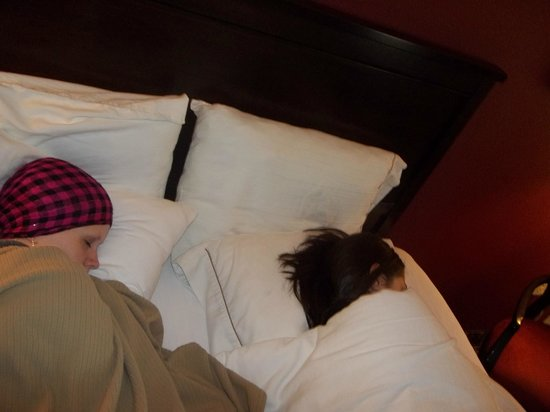 Holiday Inn Express Charleston : Much needed nap before flight home