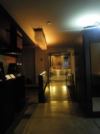 UNA Hotel One : Reception Bridge