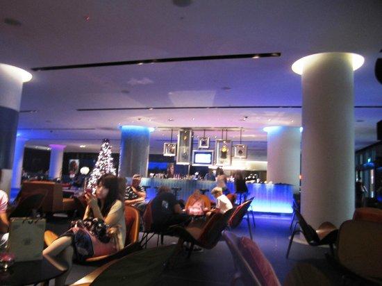 Hard Rock Hotel Singapore: The lobby bar