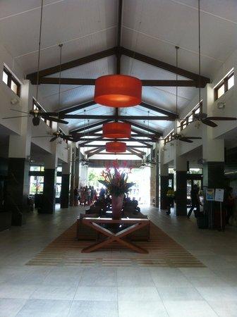 Pullman Port Douglas Sea Temple Resort & Spa : Reception