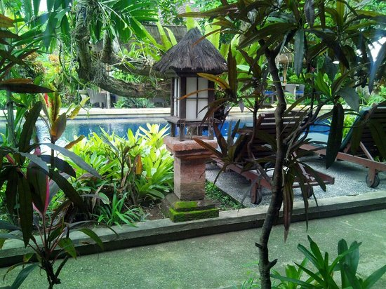 Sanur Beach Villas : View from our balcony, looking onto the gorgeous pool area