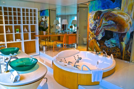 Displays Hotel de Paris room interior