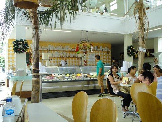 Oficina do Sorvete: balcão de sorvetes