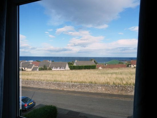 No12 Bed & Breakfast, St Andrews: View of the sea from the Orchid Room