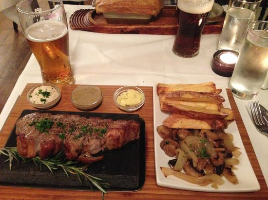 Vaughan's Eagle House : Steak on the Stone