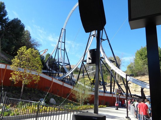 Six Flags Magic Mountain : nova montanha Full Throttle