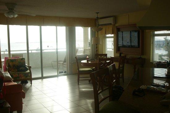 Atrium Beach Resort and Spa: Breakfast area, balcony