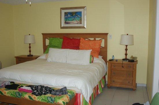 Atrium Beach Resort and Spa: Bedroom 2