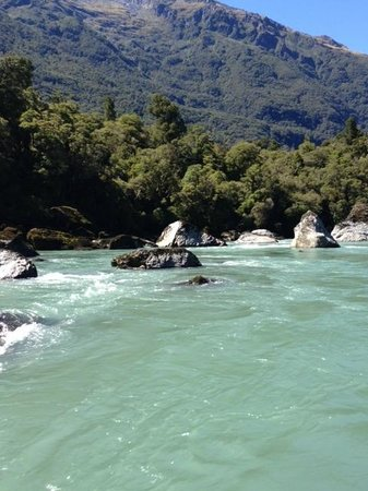 Waiatoto River Safari: Waitoto River rocks