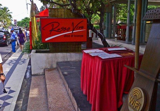 Rosso Vivo Dine & Lounge : Sign