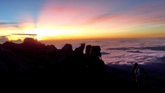 Mount Kinabalu: Sunrise at the summit