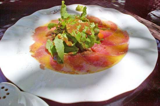 Rosso Vivo Dine & Lounge : Tuna carpaccio