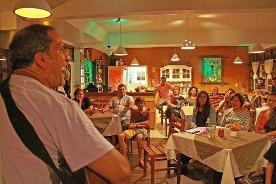 Pousada Estaleiro Village : cena y musica