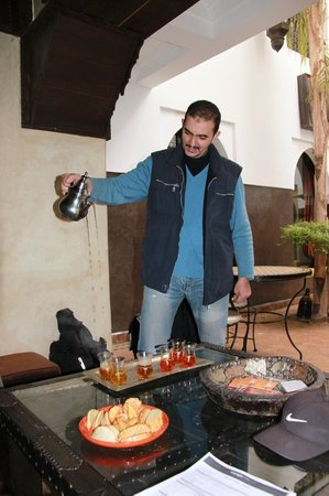Dar Amanza: Abdou et son fameux thé !