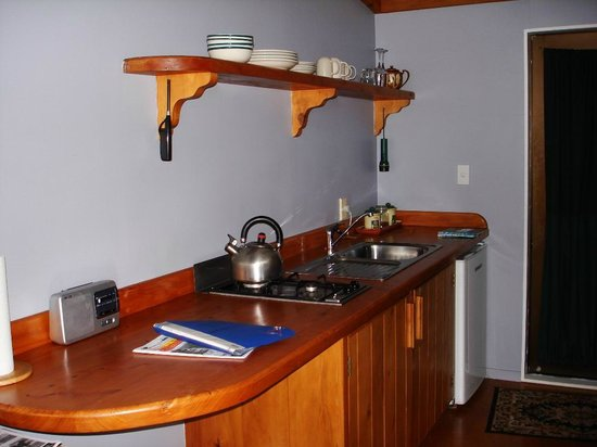 Manuka Lodge: Kitchenette