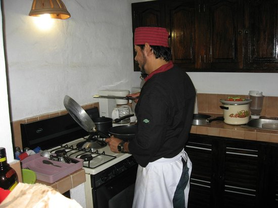 Villas Loma Linda: Jose cooking in our kitchen! :)