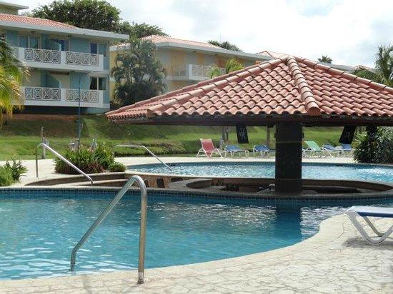 Sea Breeze Hotel: picina