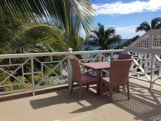 Coral Sands Hotel: Ocean View Standard terrace
