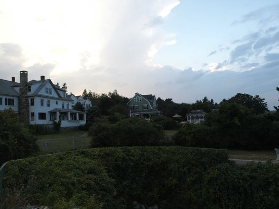 Beauport Inn: wonderful houses of The Marginal Way