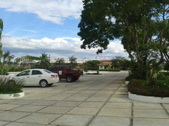 Hotel Gran David: Parking
