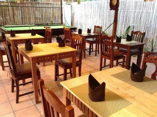 The City : restaurant